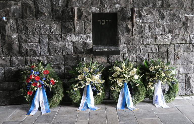 jewish wreathes