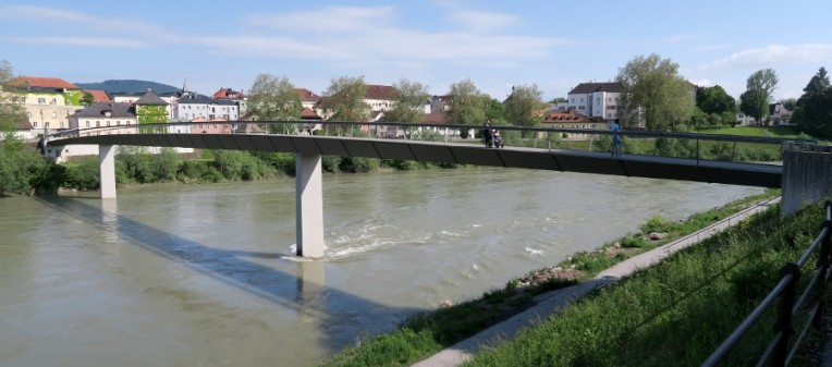 The Salzach river and the walking bridge between Oberndorf and Laufen, from the Oberndorf side.